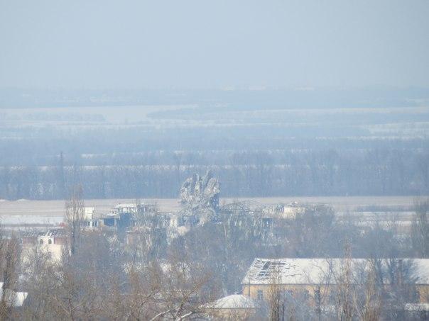 В аеропорту Донецька впала вежа (ФОТО + ВІДЕО)