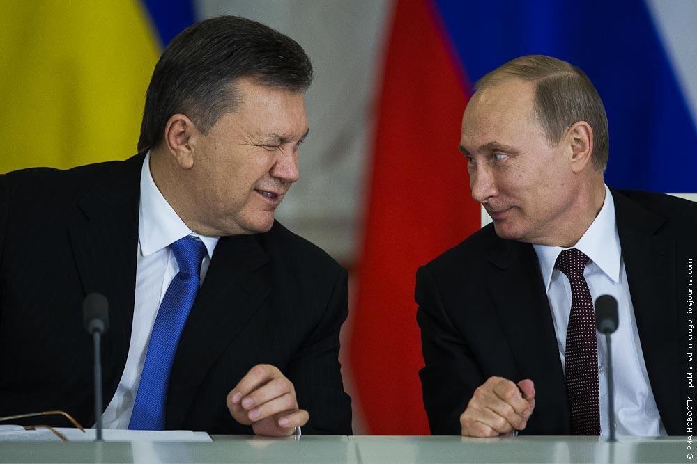 Беглец-бандит Янукович, обещает вернутся в Украину, дабы облегчить жизнь украинцам