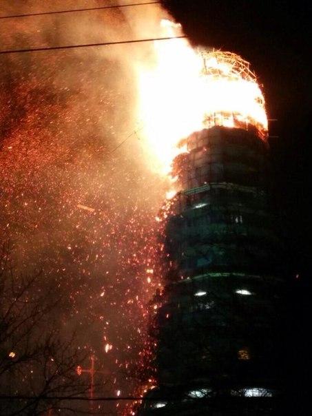 Прямо сейчас в Москве сильный пожар! Пылает Новодевичьий монастыр (ФОТО)