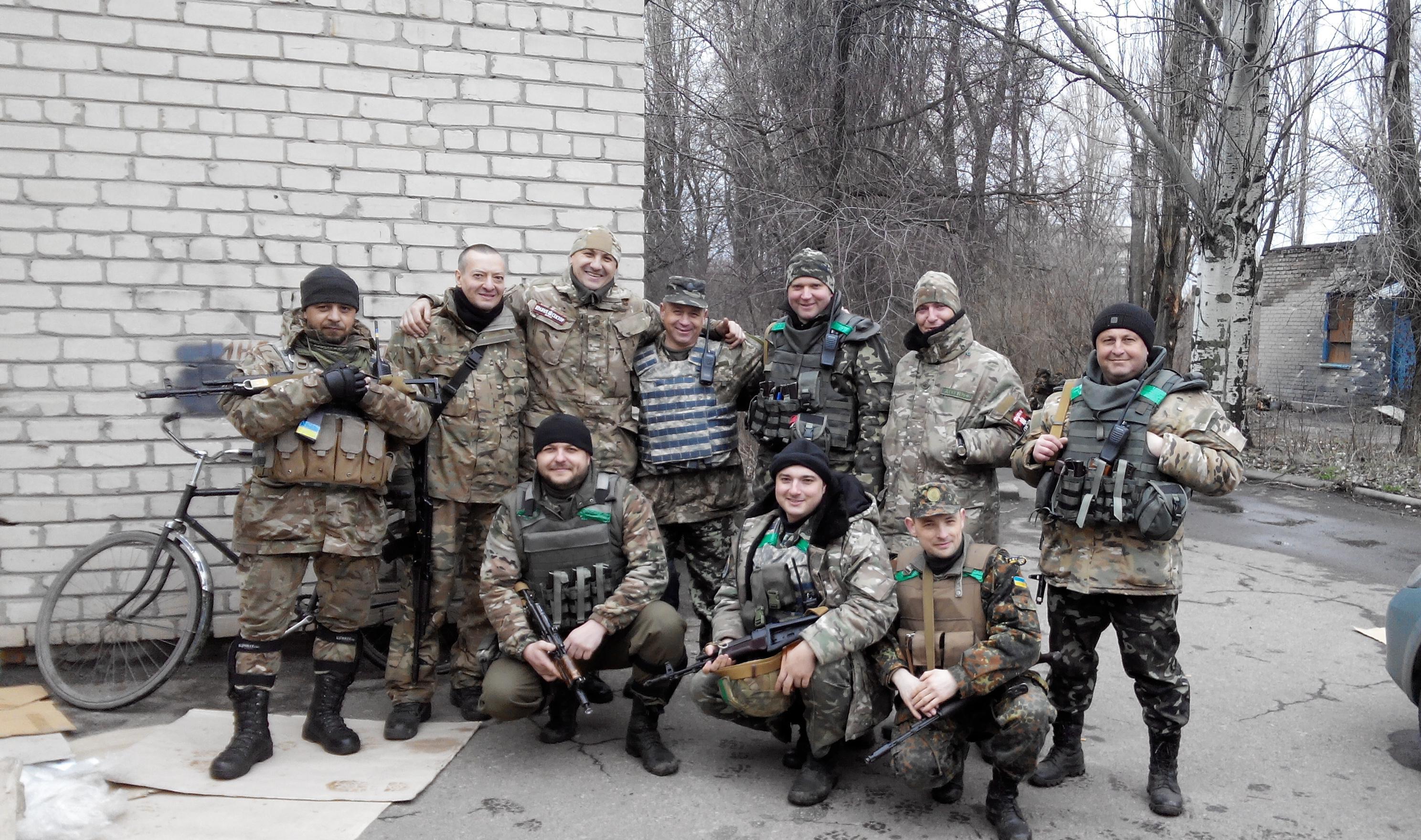 """Население в Ясиноватском районе было в шоке, от того что """"Правый сектор"""" привез им гуманитарку. Миф разрушен (ФОТО)"""