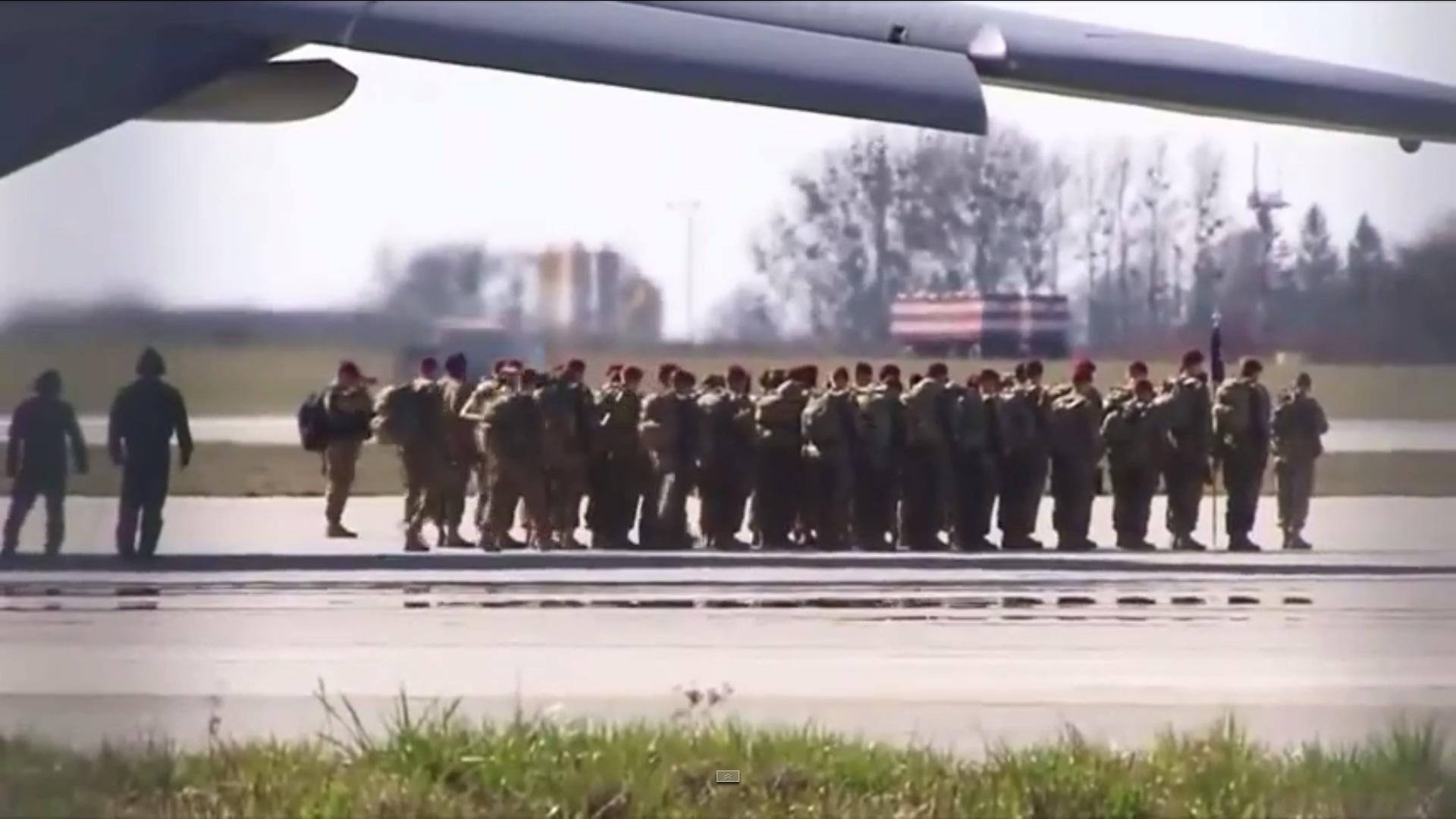 Россия в шоке и негодует, во Львове высадились американские десантники (ВИДЕО)