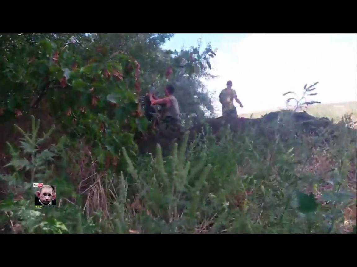 Появились кадры, как украинские артиллеристы уничтожали боевиков которые штурмовали Марьинку (ВИДЕО)