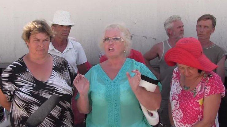 Главу оккупантов Крыма Аксенова в Крыму едва не побили местные из-за отсутствия туристов (ВИДЕО)