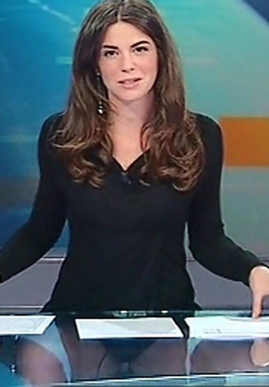 Дама в прозрачном видео фото 535-690