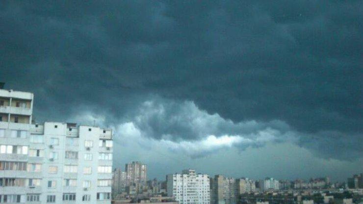 ВНИМАНИЕ! На Киев движется сильнейший шторм