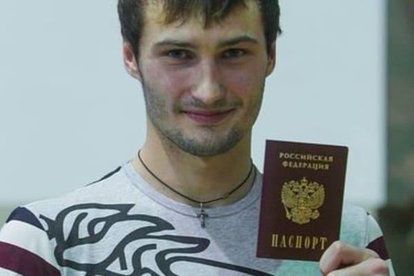 Предатель Иуда! Украина воспитала чемпиона предателя и даже не получили уведомления от России. Тренер в шоке!