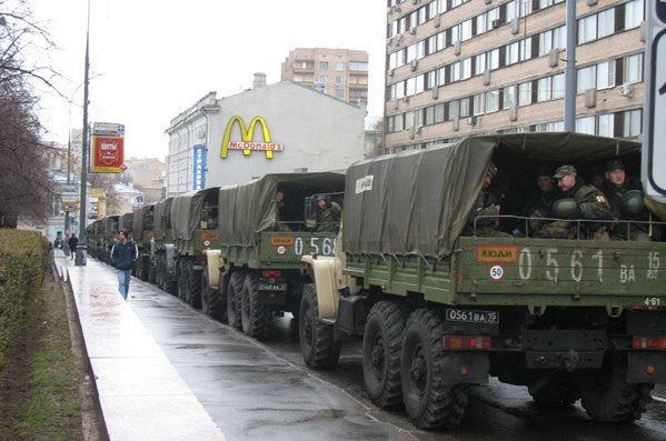 Путин ввел в Москву войска! А полиции дали добро стрелять по митингующим дальнобойщикам