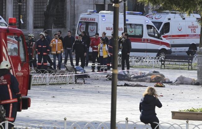 """УЖАСНЫЙ """"русский мир""""! Россияне радуются теракту в Стамбуле и сожалеют, что взрыв не ядерный (СКРИН)"""