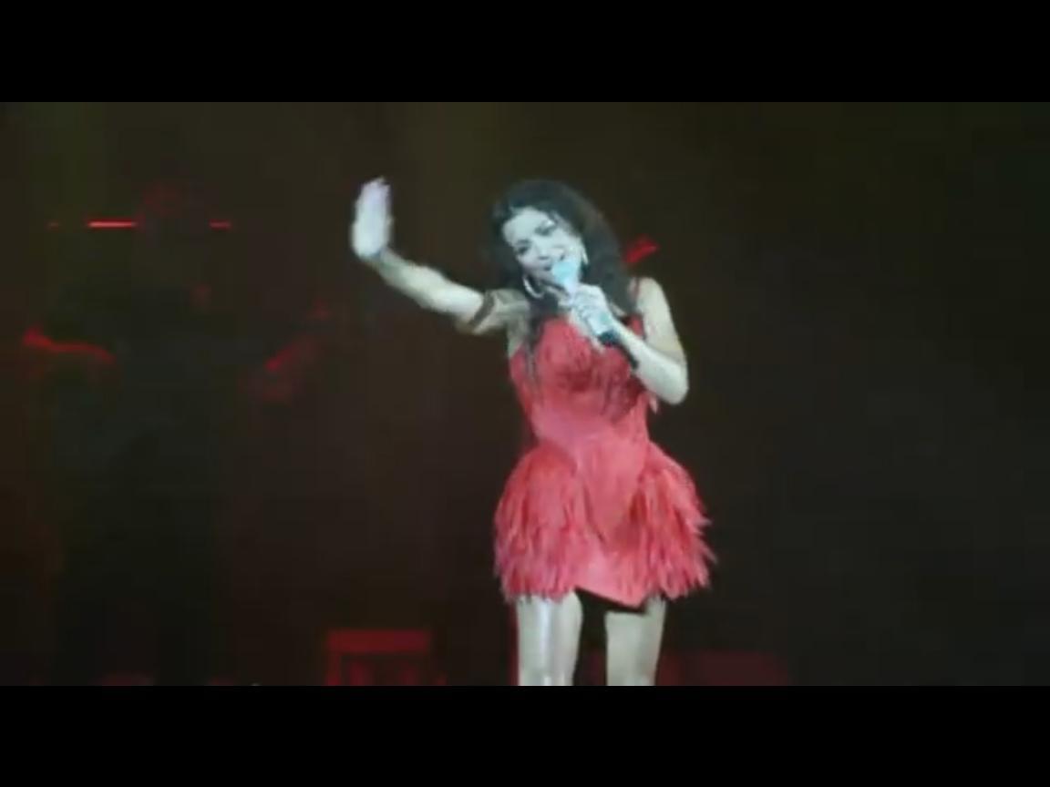 Ани Лорак во время исполнения старой песни немного напутала слова и случайно заматерилась (ВИДЕО)