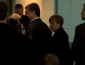 В сети появилось смешное видео, как Меркель после совестной пресс-конференции догоняет Порошенко