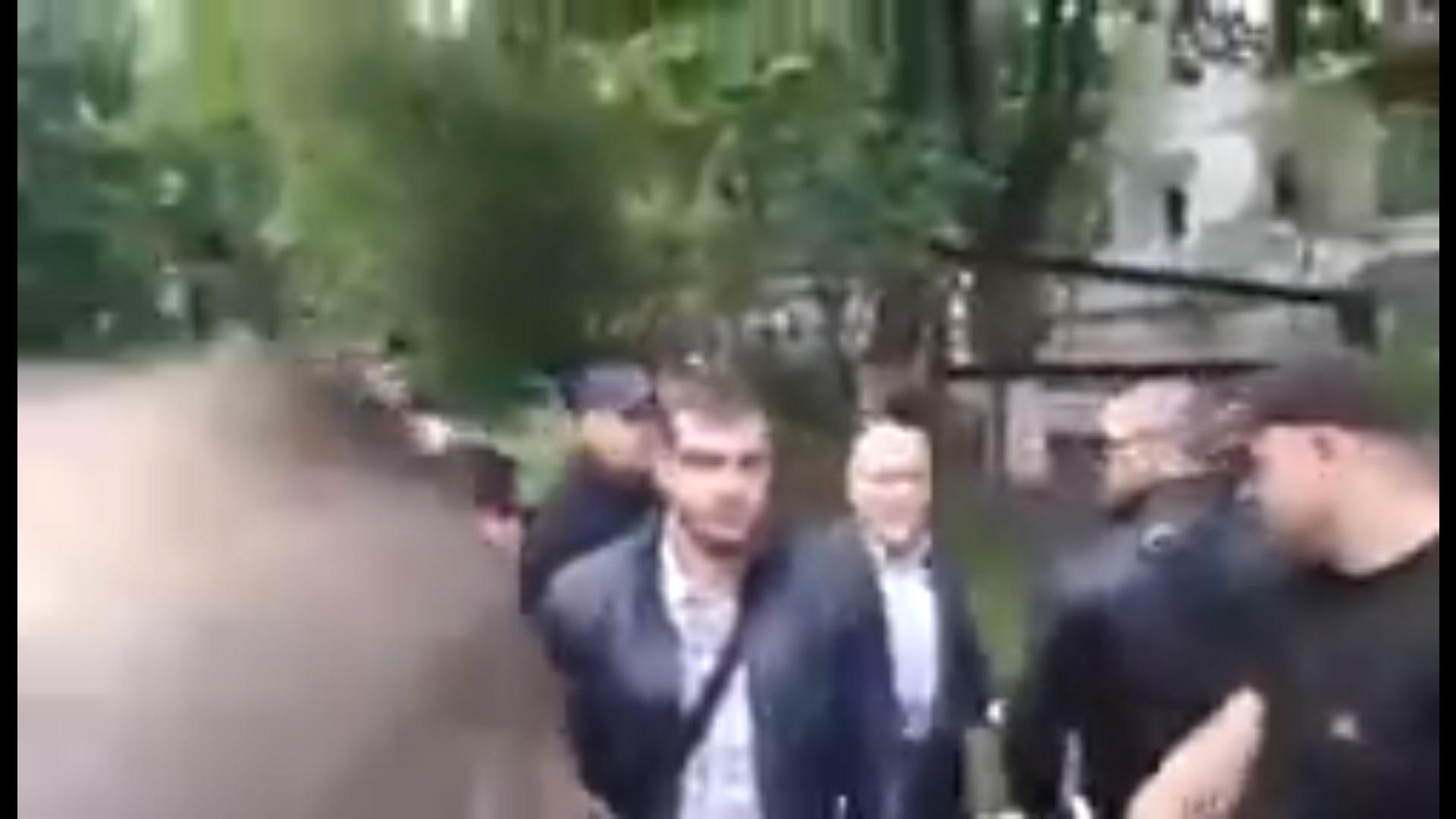 Появилось видео, как охрана Вилкула отбивалась от активистов с зеленкой для экс регионала (ВИДЕО)