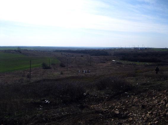 УЖАС! Как собак! Поисковая группа ВСУ нашла массовое захоронение боевиков и вояк ВС РФ на Донбассе (ФОТО)