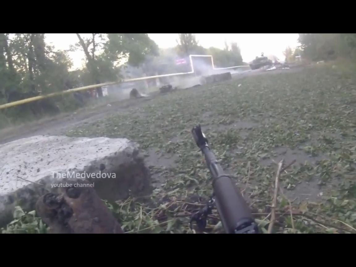 Боевик с нашлемной камеры заснял неудачную кровавую атаку боевиков, когда силы АТО положили всю группу оккупантов (ВИДЕО)