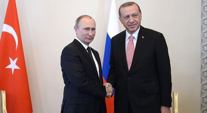 ЭПИЧЕСКИЕ КАДРЫ! Путин на радостях встречал прилетевшего к нему Эрдогана но споткнувшись за стул расстелился в ногах перед турком (ВИДЕО)