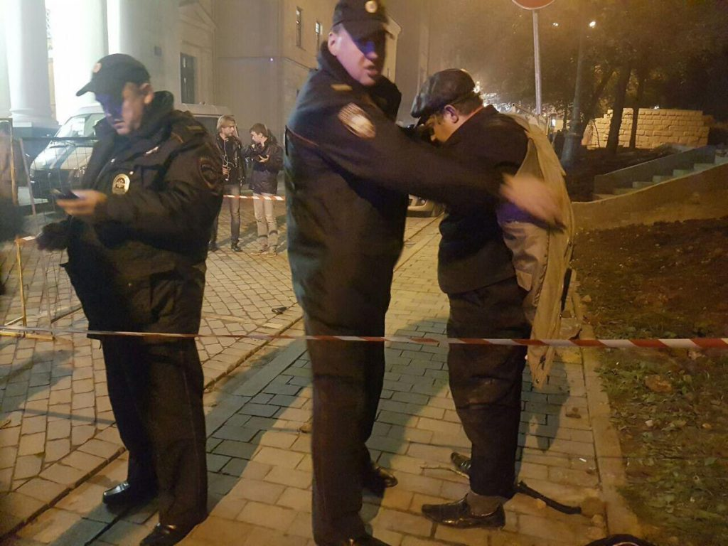 """""""Я как и Путин против евреев!"""" - Ужас в одной из московских синагог, погром евреев (ВИДЕО)"""
