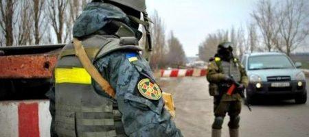 СРОЧНАЯ НОВОСТЬ! На блокпосту в районе Счастье автомобиль сбил украинского военного, по машине открыли огонь