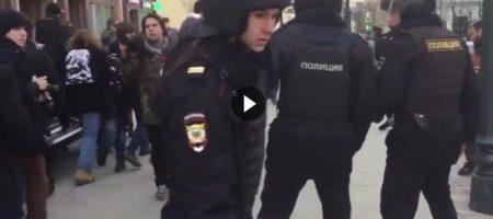 ПОВОД МСТИТЬ! Кремлевские силовики сообщили, что протестующие убили одного полицейского в Москве (ВИДЕО)