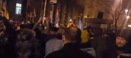 В Киеве на Майдане начались протесты! В Луцке захватили ОГА (ВИДЕО)