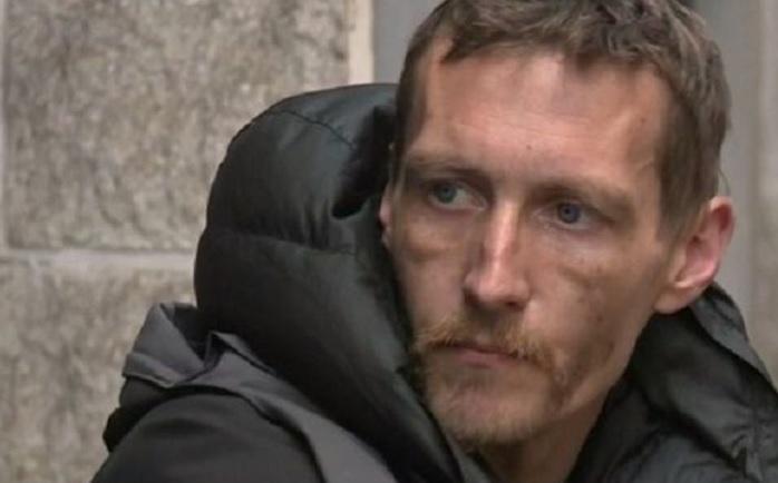 """Власник """"Вест Хема"""" подарував житло бездомному, який рятував людей в Манчестері, а люди зібрали для нього гроші"""
