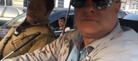 """""""Тебя е*нуть, коммуняка?"""" В Одессе активисты жестко задержали авто с советской символикой (ВИДЕО 18+)"""
