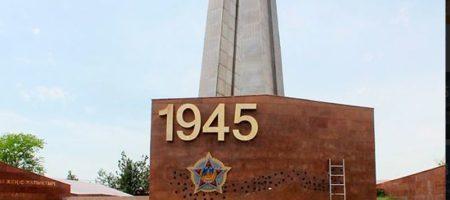 """""""ДОЛОЙ РАШИЗМ!"""" Казахстан официально отказался от применения георгиевских лент (ФОТО)"""