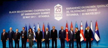 Украинский представитель довел до истерики Медведева на саммите в Стамбуле, зам Путина орал как кот при кастрации (ВИДЕО)