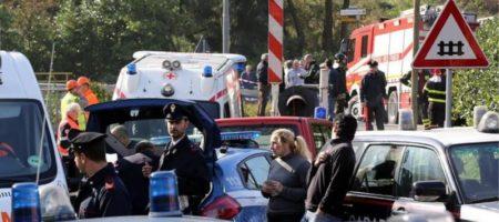Страшное ЧП возле итальянского Неаполя: множество пострадавших и погибших (ФОТО + ВИДЕО)