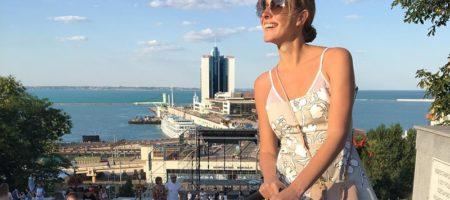 Катя Осадча похизувалася фото із відпочинку в Одесі