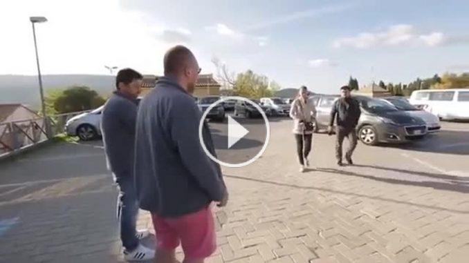 """""""Вы нам не товарищи"""" - как украинцы жестко ставят на место россиян, которых встречают заграницей (ВИДЕО)"""