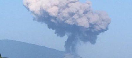 Мощный взрыв разнес часть поселка в оккупированной России Абхазией. Взорвались склады боеприпасов ВС РФ (ВИДЕО)