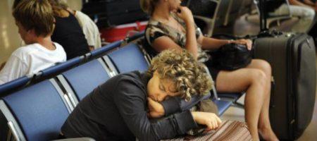 Відомий туроператор має серйозні проблеми: сотні українців застрягли в аеропортах