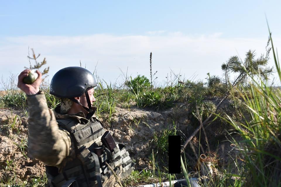 ВСУ устроило зачистку боевикам, после нападение на наши позиции и убийство украинского воина