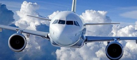 ФОТО ГОДА! Пассажиры самолета Вена – Лондон сфотографировали человека, идущего по облакам (ФОТО)