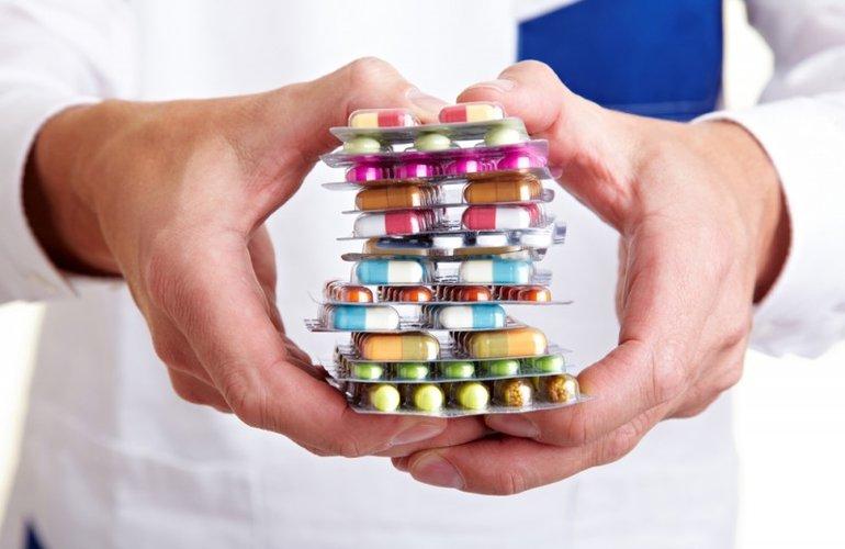 Сеть бурно обсуждает список популярных лекарств, которые ничего не лечат