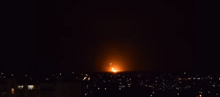 СРОЧНО! ЭКСТРЕННОЕ СООБЩЕНИЕ! Под Винницей атакован крупнейший склад военного оружия! В городе выключили свет, люди покидают дома (ВИДЕО)