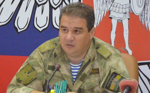 «Было два взрыва, совершено покушение на министра доходов и сборов ДНР Тимофеева. Он в критическом состоянии», — сказал собеседник агентства.