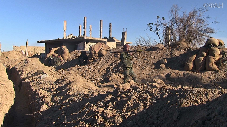 """Жуткие кадры: боевики ИГИЛ жестко ликвидировали несколько российских военных из """"группы Вагнер"""" и взяли их в котел"""