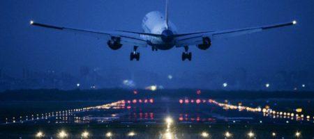 В Одессе экстренно сел российский самолет который летел в Турцию: на борту возможно бомба