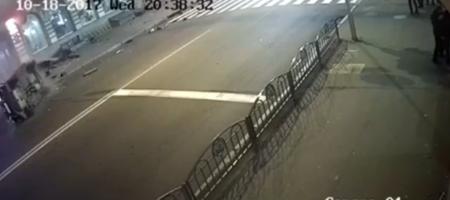 Кадры не для слабонервных. Момент жуткой аварии в Харькове (ВИДЕО 18+)