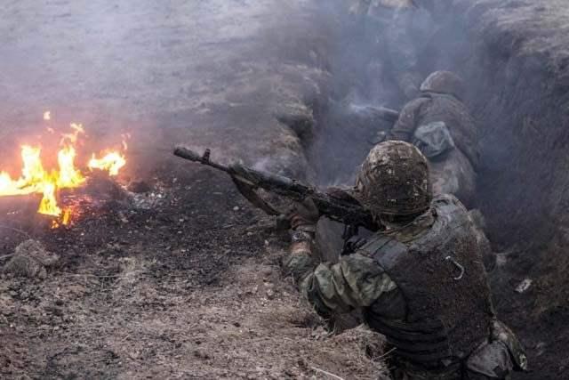 Силы АТО дали жесткий отпор боевикам под Трехизбенкой, боевики жалуются на большие потери (ВИДЕО)