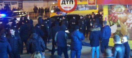 Масштабные беспорядки в Киеве на Нивках: много полиции и задержанных (ВИДЕО)