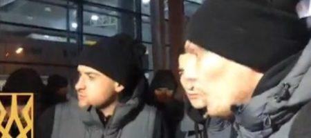 """Ультрас остановили автобус """"Шахтера"""" и сделали клубу """"последнее китайское"""" чтобы поговорить о войне"""