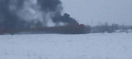 Под Киевом в Василькове горит заправка вблизи военного аэродрома
