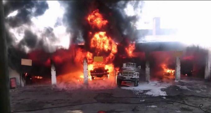 В Одессе горит воинская часть: первые подробности (ВИДЕО)