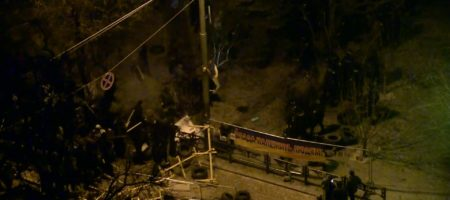 В ночі, силовики намагались силою розігнати активістів, та затримати Саакашвілі (ВІДЕО)