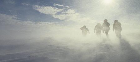 """""""Люди летают""""! Опубликовано видео ужасной метели в Казахстане"""