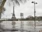 В Париже начали эвакуировать людей из-за сильного наводнения
