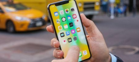 Apple в разы сократил производство новых iPhone X