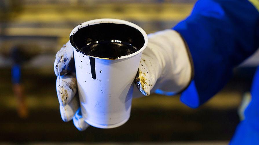 Цены на нефть стремительно падают