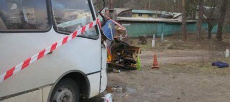 Под Киевом автовышка врезалась в маршрутку переполненную людьми